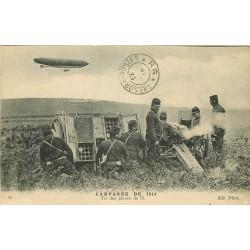 MILITARIA. Guerre 1914-18 Tir des pièces de 75 en 1915 avec Zeppelin Dirigeable
