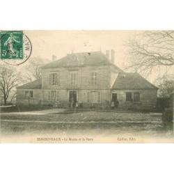 52 ESNOUVEAUX. La Mairie et la Poste 1910
