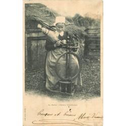 36 LA CHÂTRE. Fileuse berrichonne 1902