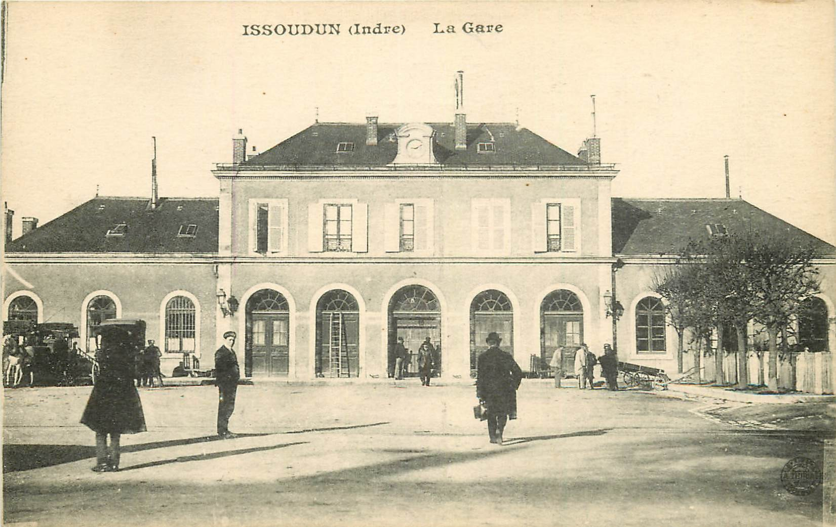 36 ISSOUDUN. La Gare