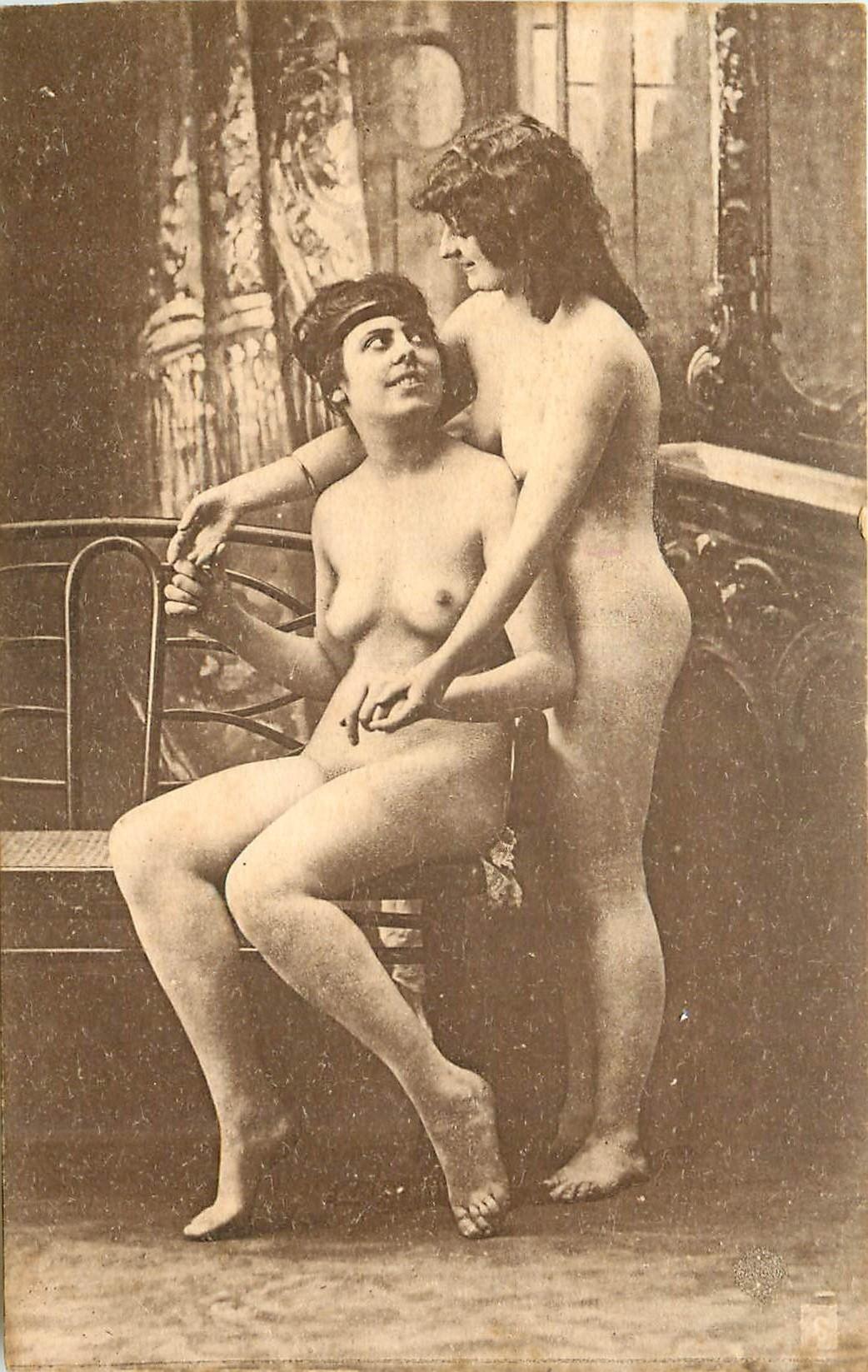 Beautés d'autrefois. Deux superbes Femmes nues série n°6