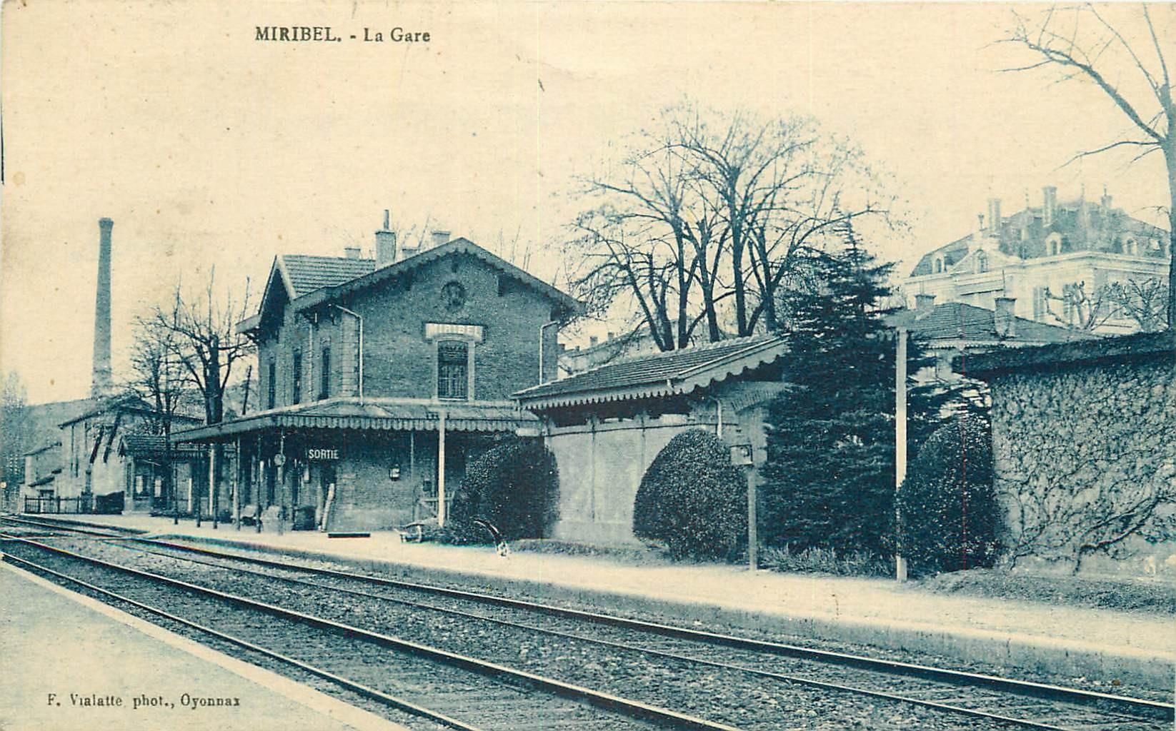 01 MIRIBEL. La Gare vers 1924...