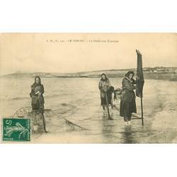 62 LE PORTEL. La Pêche à la Crevette 1910