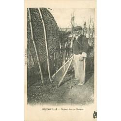 50 COUTAINVILLE. Pêcheur dans sa Pêcherie