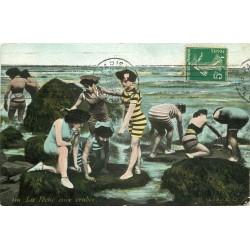 Scènes de Plage. La Pêche aux Crabes 1912