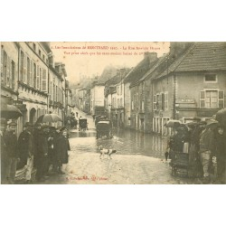 21 MONTBARD. Rue Anatole Hugot pendant les Inondations de 1910