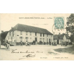 10 SAINT-LEGER-PRES-TROYES. Restaurant Poupier sur la Place 1907