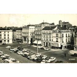 72 LE MANS. Banques de l'Ouest et Société Générale Place de la République Cpsm