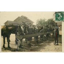 45 ORLEANS. Militaires avec Chevaux à l'Abreuvoir 1912 carte photo émaillographie