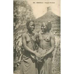SENEGAL. Jeunes Peulhes scarifiées et seins nus