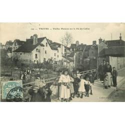 10 TROYES. Vieilles Maisons sur le Rû des Cailles 1907