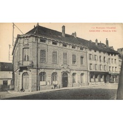 21 SAULIEU. Hôtel de Ville et Banque Société Générale 1919