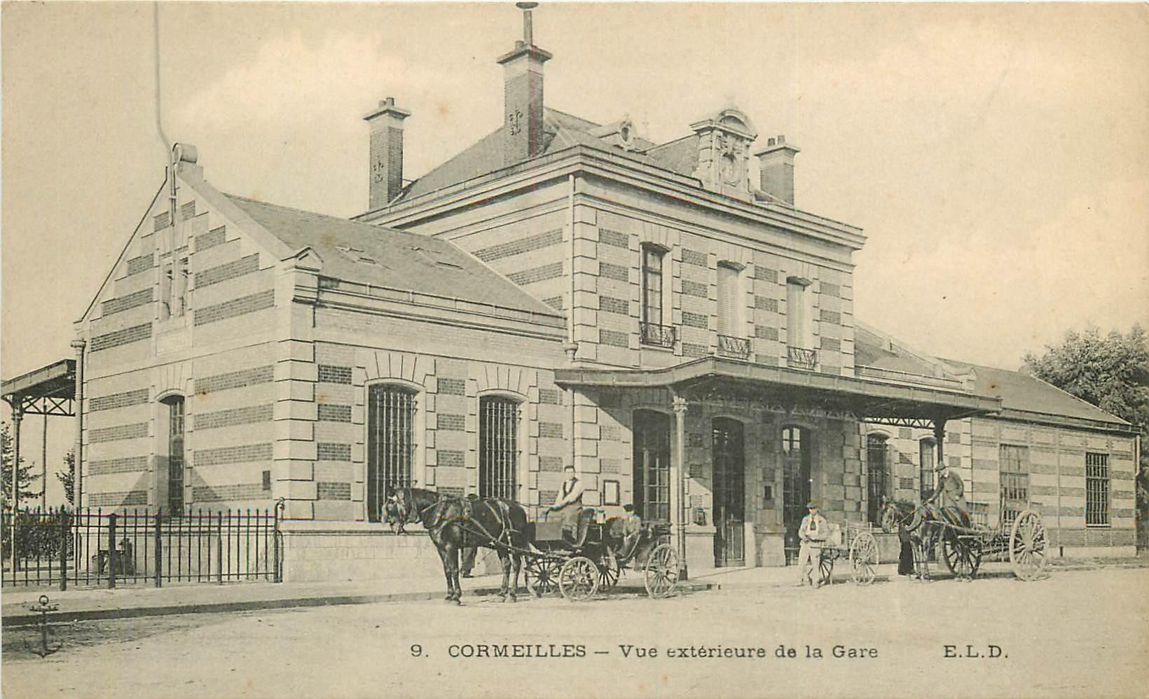 95 CORMEILLES. La Gare avec attelages