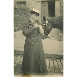 75 PARIS NOUVEAU. Les Femmes Cocher Mm Moser cousant 1907