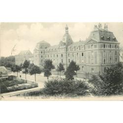 2 Cpa 35 RENNES. Le Lycée et un sûrement la Mairie...