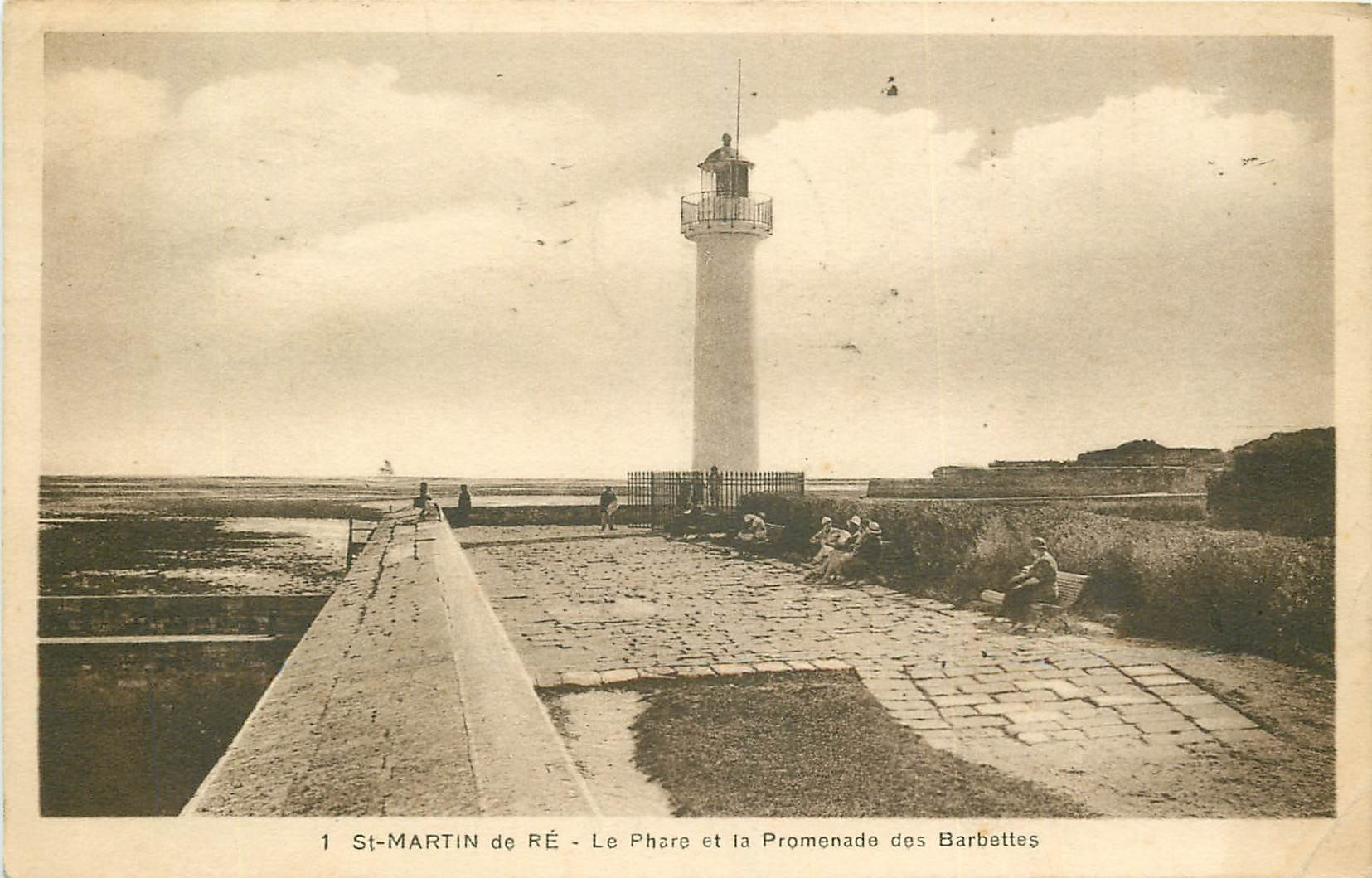 17 SAINT-MARTIN-DE-RE. Phare et Promenade des Barbettes 1935