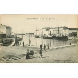 17 SAINT-MARTIN-DE-RE. Bateaux de Pêche au Port
