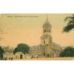 2 Cpa 35 RENNES. Eglise Notre-Dame (carte toilée) et Palais Justice