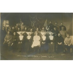63 CLERMONT-FERRAND. Bonnes Soeurs infirmières et Militaires à l'Hôpital Général Noël 1917
