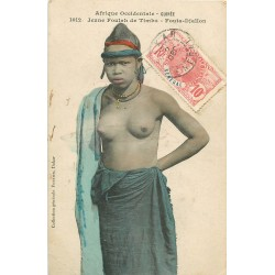 GUINEE. Jeune Foulah de Timbo Fouta-Djallon aux seins nus