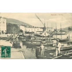 20 AJACCIO. Barques et jeunes Pêcheurs dans le Port 1911