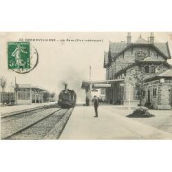 92 GENNEVILLIERS. Train avec locomotive à vapeur entrant en Gare vers 1909