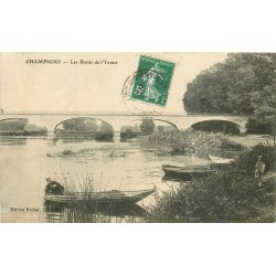 89 CHAMPIGNY. Canoteur sur l'Yonne et jeune Pêcheur à la ligne