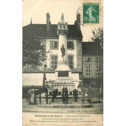 21 SAINT-JEAN-DE-LOSNE. Femme devant Café du Commerce Place Délibération