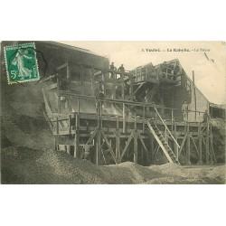 53 VOUTRE. La Kabylie le Trieur exploitation de la pierre de porphyre 1911