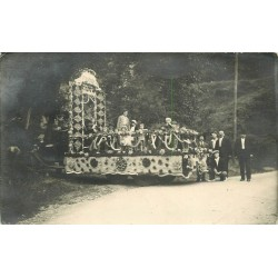 "27 EVREUX. Photo carte postale Grande Cavalcade Char fleuri "" Buisson """