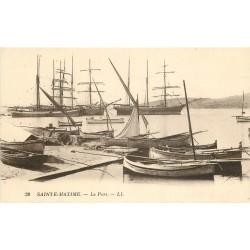 83 SAINTE-MAXIME. Barques et Bateaux de Pêches dans le Port