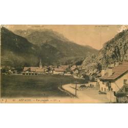 05 NEVACHE. Vue du Village et Col des Rochilles 1910