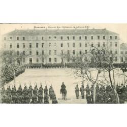 26 ROMANS. Revue dans la Caserne Bon Bâtiments Classe 1919