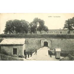 02 LAON. Militaires à la Caserne Citadelle 1912