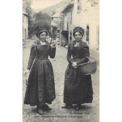 63 Paysanne et Fileuse d'Auvergne 1910