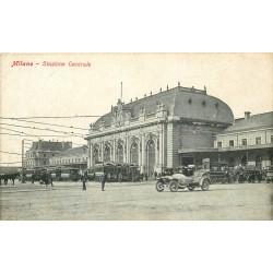 MILANO. Voiture ancienne et tramways devant la Stazione Centrale 1918