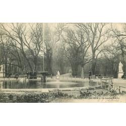 17 ROCHEFORT-SUR-MER. Le Jardin Public animé 1905