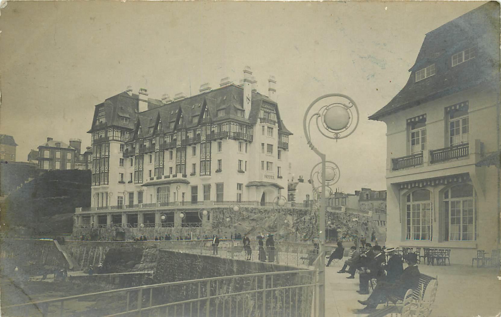 50 GRANVILLE. Photo carte postale des vacanciers à côté des Hôtels 1923
