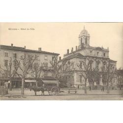 69 GIVORS. Hôtel de Ville et attelage devant le Café du XX° siècle
