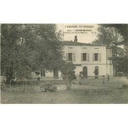 63 RIOM-MOZAC. Château de Saint-Martin avec Jardinier