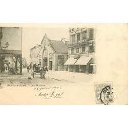 10 BAR-SUR-AUBE. Les Halles et attelage face au Café de l'Europe 1902
