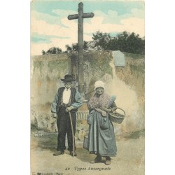 63 TYPES D'AUVERGNE. Couple de Paysans se rendant au Marché 1916