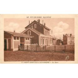63 SAINT-GERVAIS D'AUVERGNE. La Gare avec ses toilettes et l'Hôtel en face