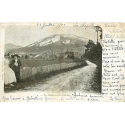 26 LA CHAPELLE-EN-VERCORS. Elégantes sur la Route du Village 1903