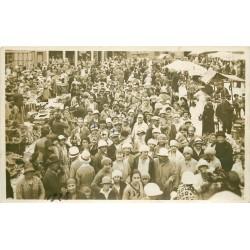 80 AULT ONIVAL. Superbe Photo carte postale du Marché avec énorme animation 1928