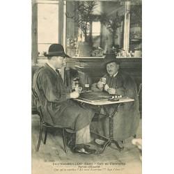 18 CHATEAUMEILLANT. Partie de cartes d'Ecarté au Café du Commerce