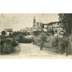 16 ANGOULEME. Promeneur et vue sur Saint-Ausonne 1917