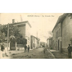 "69 GENAS. Restaurant "" A la Boule d'Or "" sur la Grande Rue"