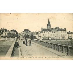 85 SAINT-GILLES-CROIX-DE-VIE. Hôtel et Coiffeur après le Pont 1918