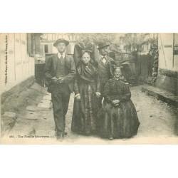 REGION ALSACE. Une Famille Alsacienne